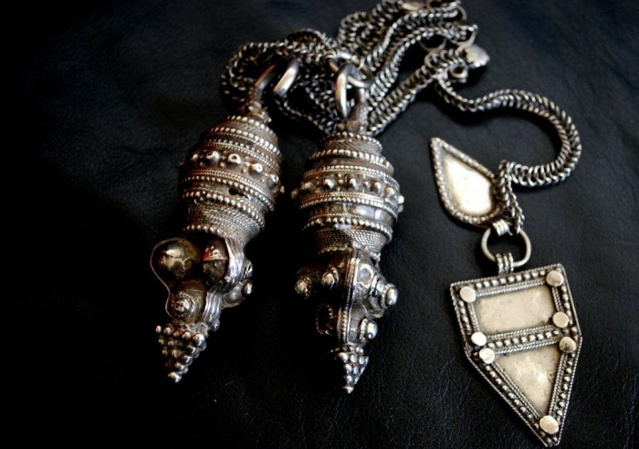 Oman virtual museum collection of antique silver earrings ...